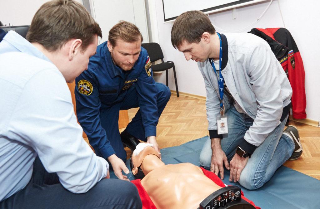 Сроки и периодичность проведения обучения оказание первой помощи