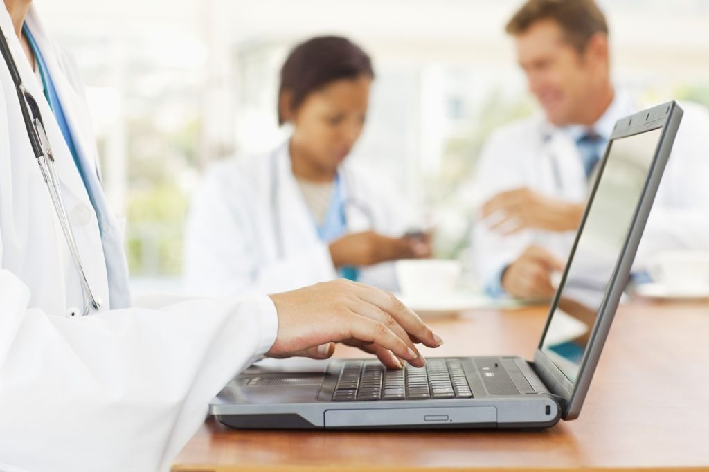 Дистанционное обучение врачей и санитар